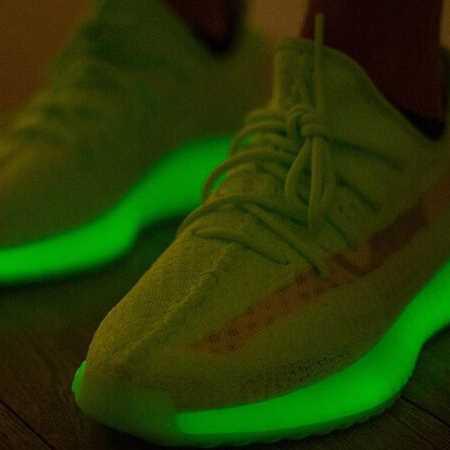 Yeezy 350 v2 Green glow in the dark